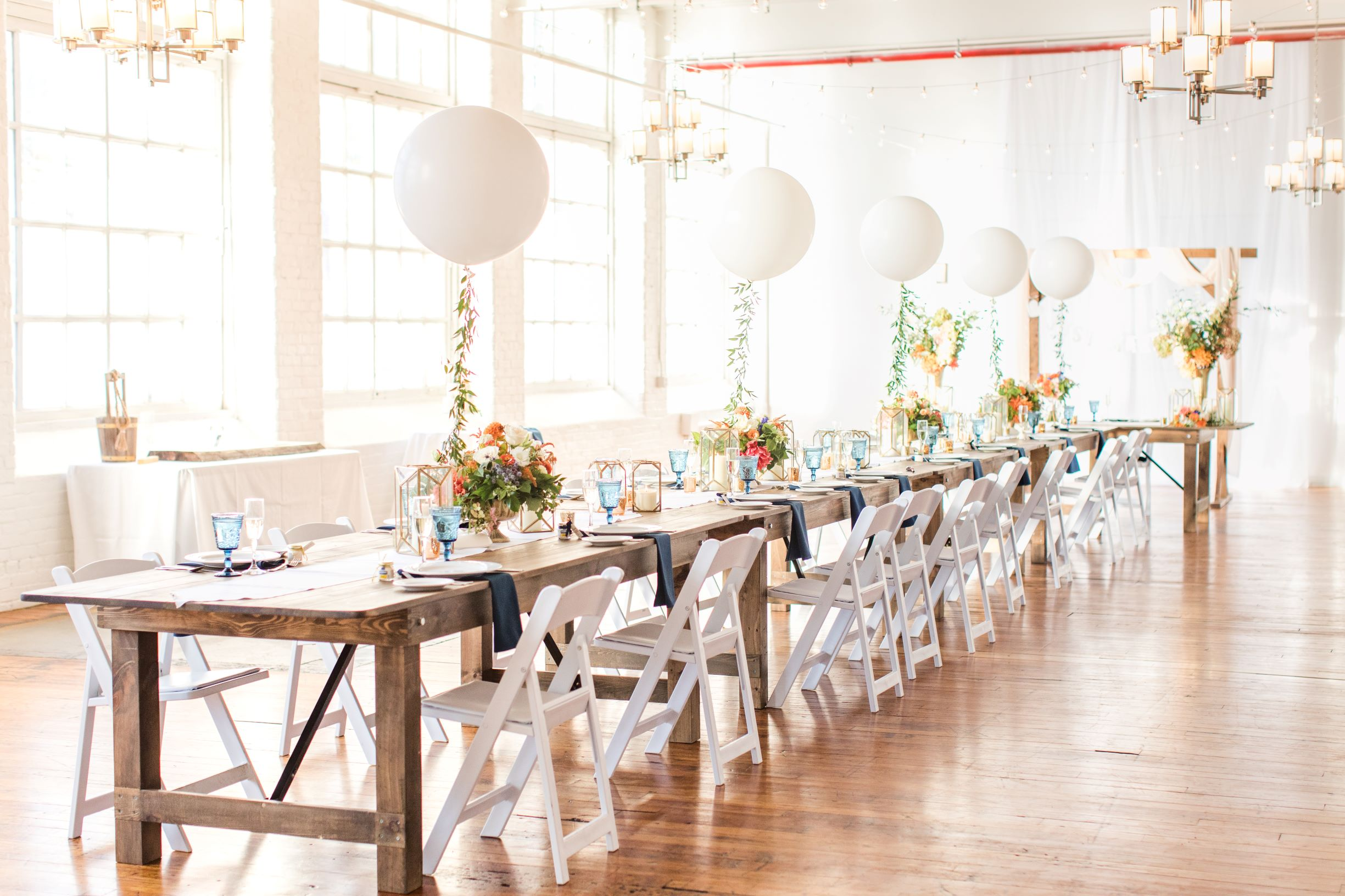 tables with balloon centerpieces